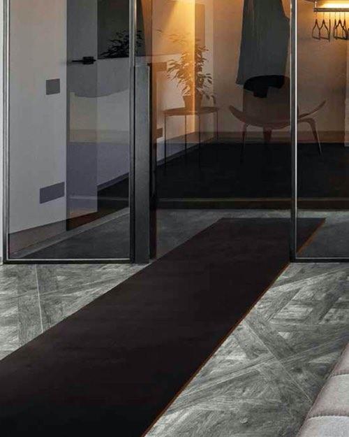 passatoia velvy nero - Kobel Srl- Pavimenti, rivestimenti e tessili per il tuo business